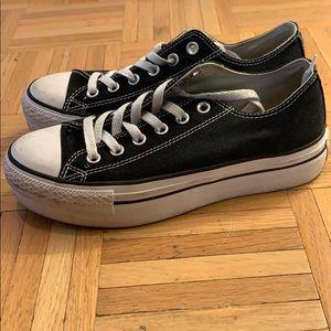 Platform Converse Sneaker
